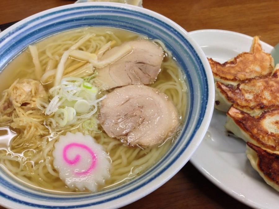 栃木の小三郎ラーメンで、しょうがラーメンと餃子