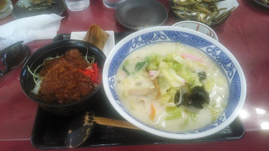 長崎ちゃんぽんとミニソースかつ丼(玉村ゴルフ場)