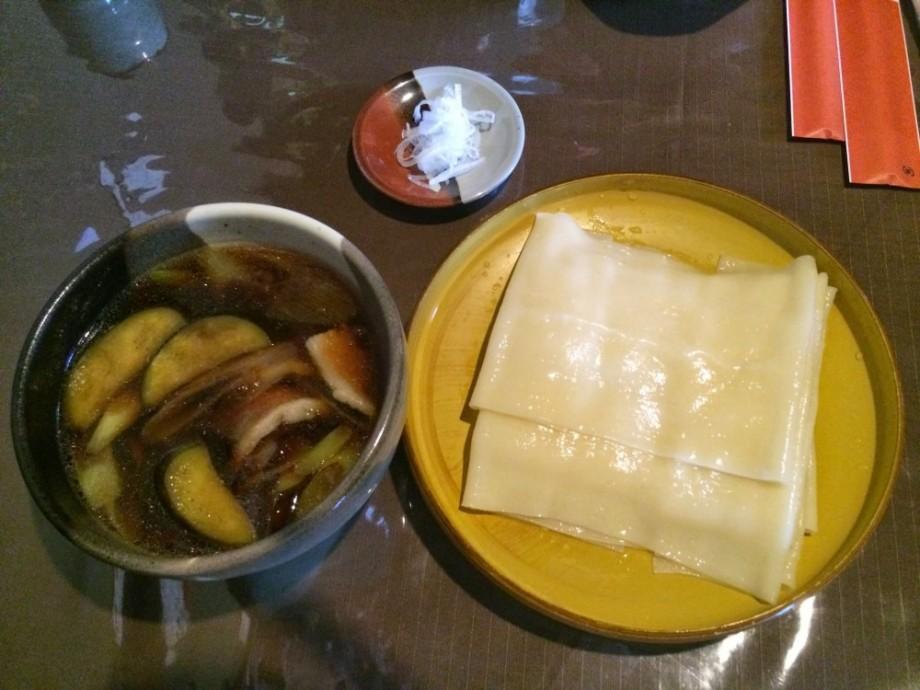 群馬県桐生地域の郷土料理でもある「ひもかわうどん」