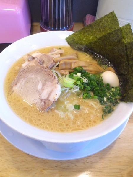 美熊屋の鶏パイタン塩チャ―シュー(高崎市)