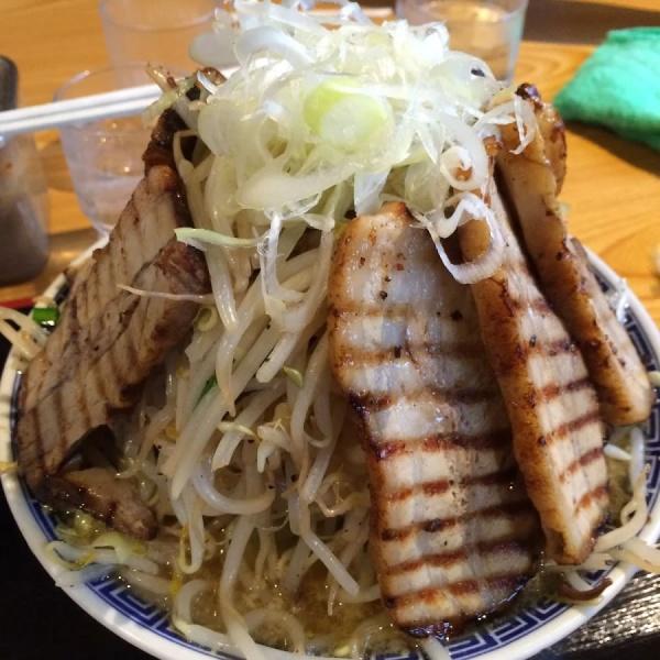 「フジ麺バカ豚大盛り野菜増し」常勝軒(つくば市)