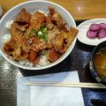 豚丼とオムカレー(三井アウトレット入間)