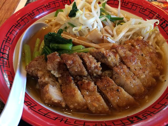 万世麺店にてやさいパーコー麺950円なり