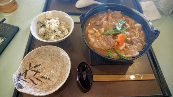 鍋焼き肉うどん(上毛森林カントリー倶楽部)